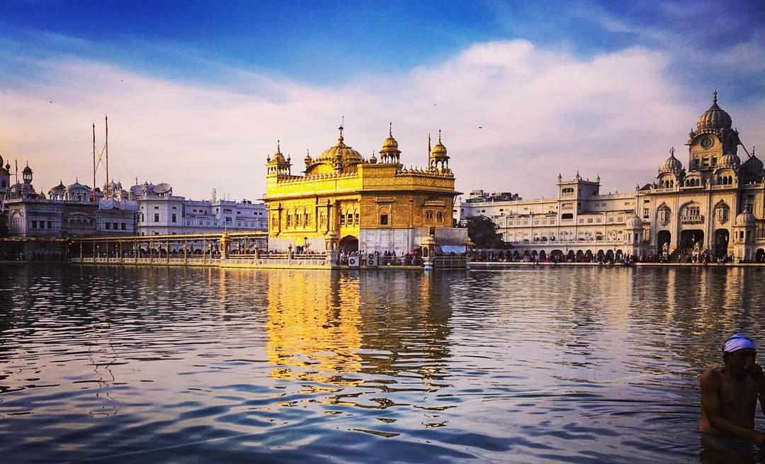 Amritsar: Metropolis in Punjab, India