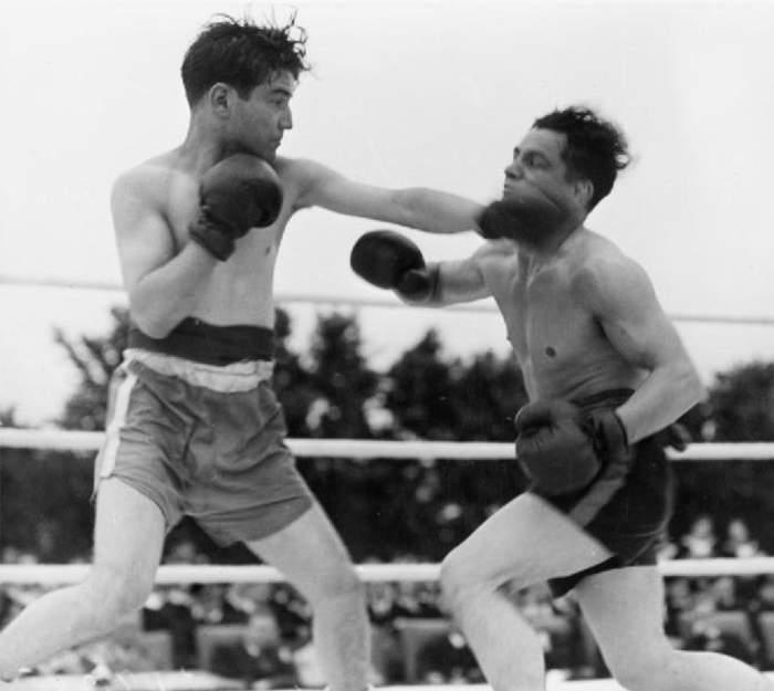 Boxing: Full contact combat sport
