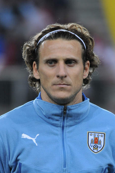 Diego Forlán: Uruguayan footballer and manager