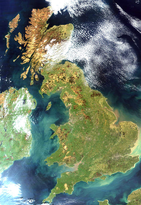 Great Britain: Island in the North Atlantic Ocean off the northwest coast of continental Europe