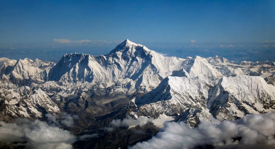 Himalayas: Mountain range in Asia