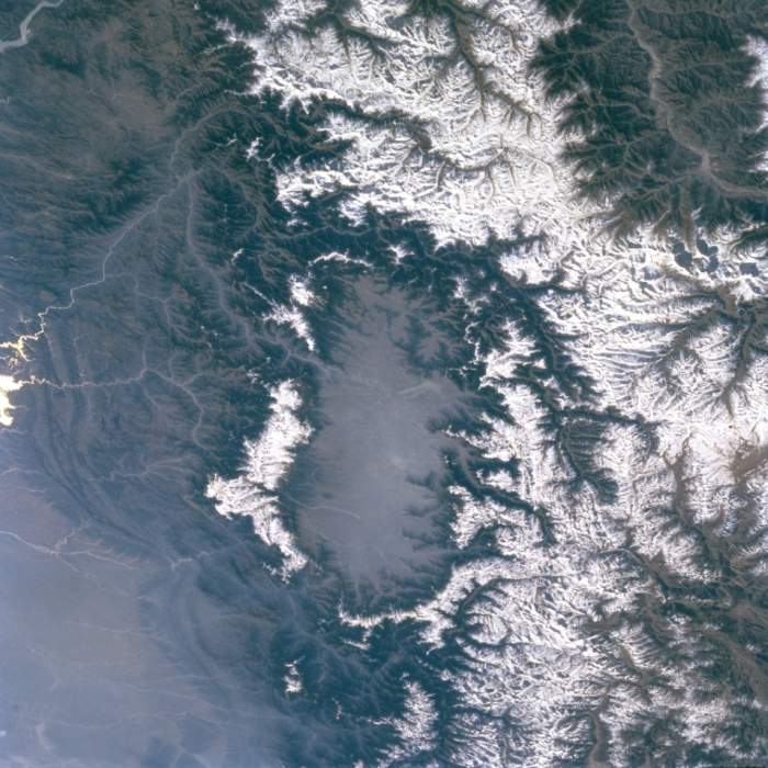 Kashmir Valley: Intermontane valley located in Indian-administered Jammu and Kashmir