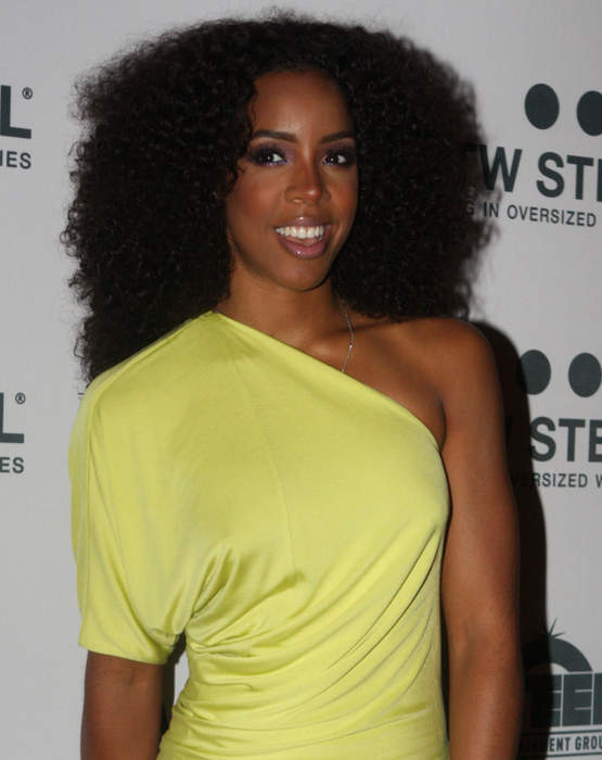 Kelly Rowland: American singer, songwriter, actress, and television personality from Georgia