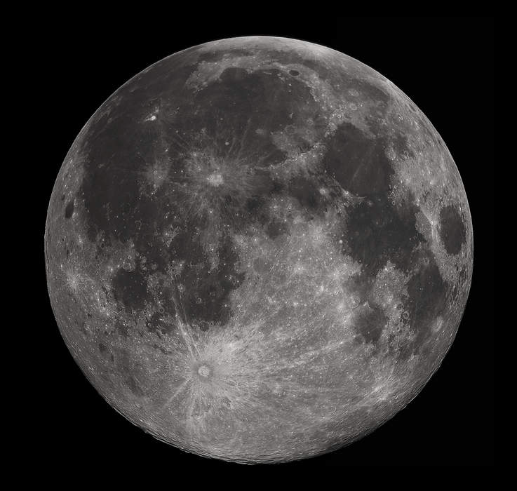 Moon: Earth's natural satellite
