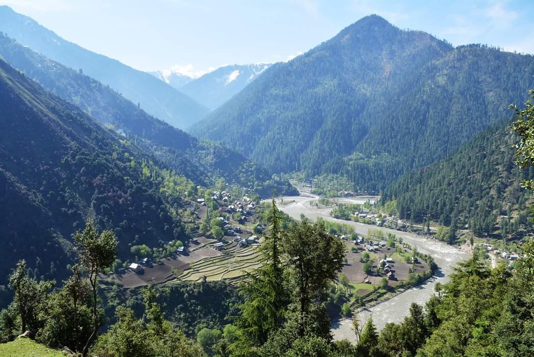Neelum River: River in India and Pakistan