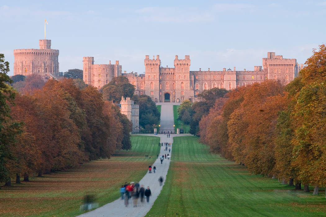 Windsor Castle: Official country residence of the British monarch